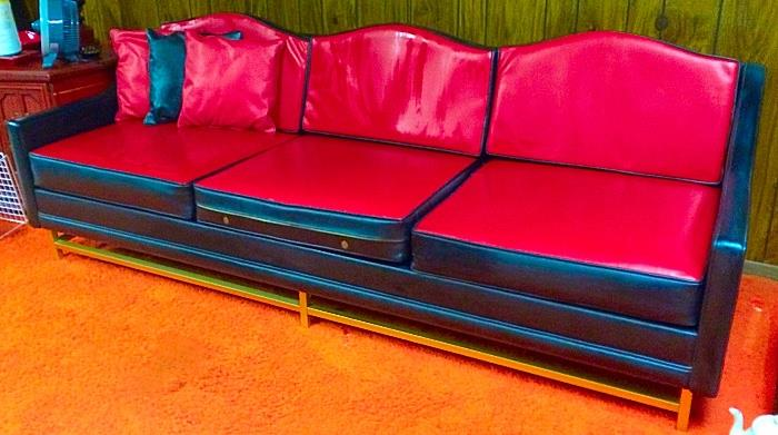 MUST SEE Awesome Retro Vintage Vinyl Couch with Reversible Cushions (Red / Black)