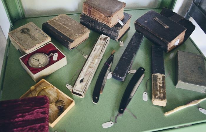 Pocket watch, straight razors, Pocket Bibles from 1800s