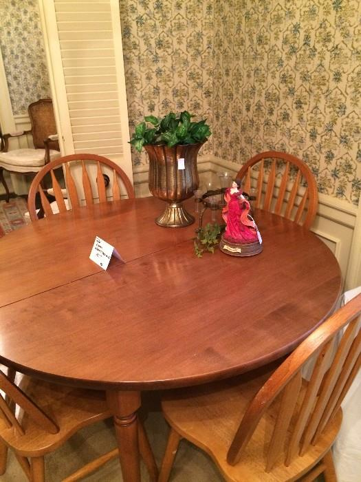 Round table (has 2 leaves) & 4 chairs