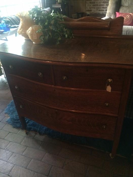 Antique 4-drawer chest