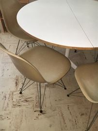 Set of 6 side/dining chairs, fiberglass and metal bases, DAR models with Eiffel Tower bases. Designed by Charles Eames for Herman Miller.
