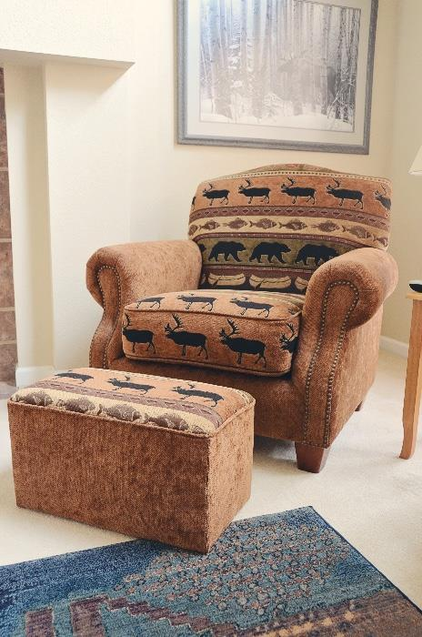 Armchair with Ottoman (Rustic print)