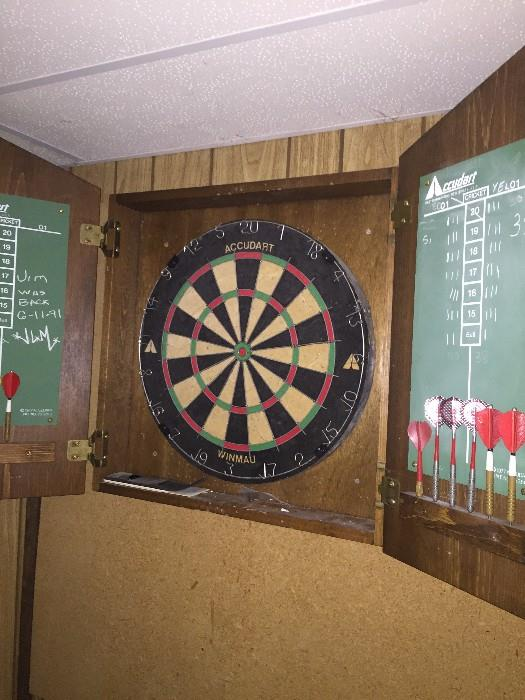 COACH AND HORSES DART BOARD GAME