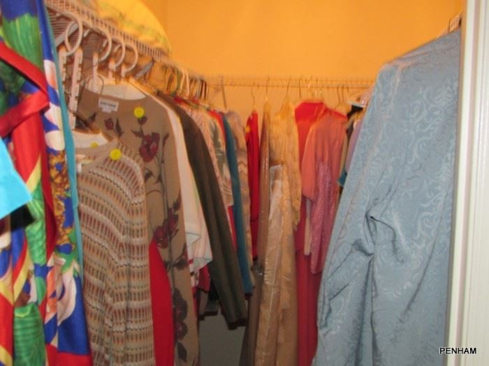Ladies clothes sizes 8-14p...very nice outfits!