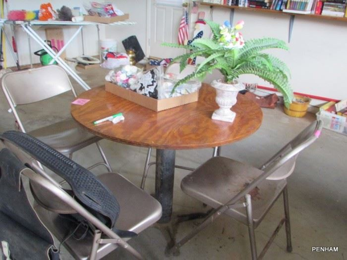 Round table before being refinished.