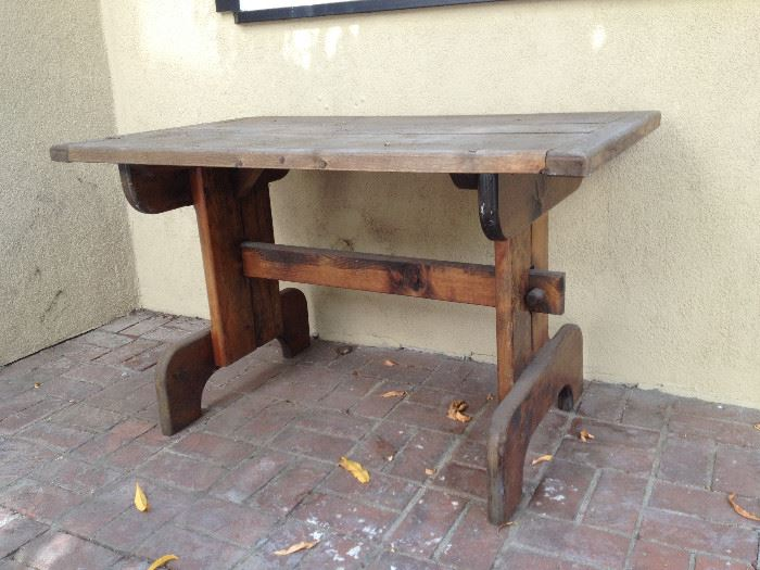 antique farm table, shabby chic