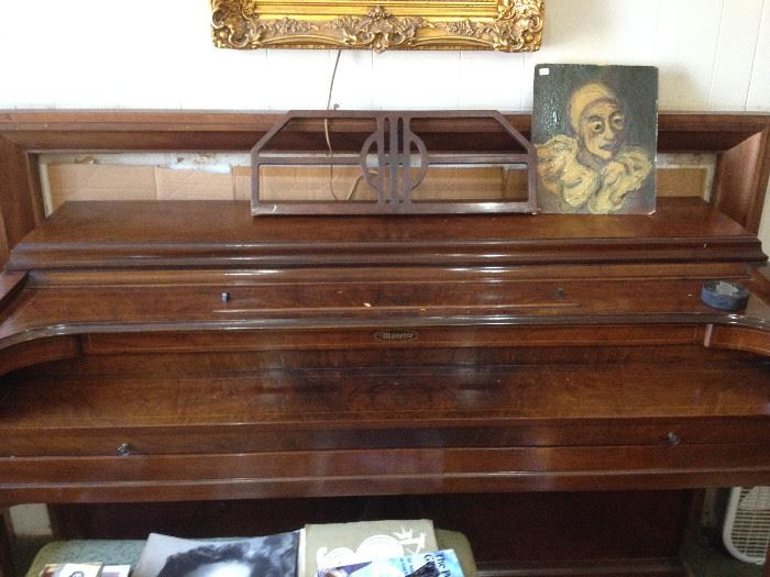 •1940s Upright Musette Piano