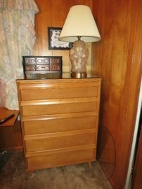 Immaculate, Beautiful, Mid Century Modern, Baumritter Chest of Drawers
