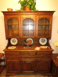 Temple Stuart Chine Cabinet.  Great Shape!