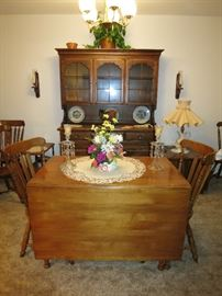 Tell City, Hard Rock Maple, Drop Leaf Table With Two Leaves And Six Chairs.  Immaculate!!