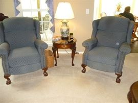 This is a pair of fabulous recliners with ball and claw feet