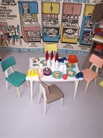 VINTAGE DREAM KITCHEN TOY SET