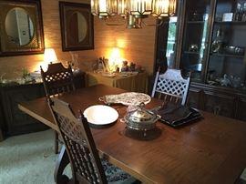 Hip Dining Set