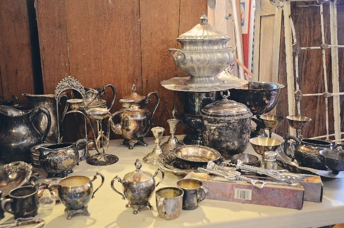 Silver-Plated Platters and Collectibles, Pewter Tureen with Underplate (Made in Italy, 95%)