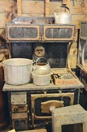 Cast Iron Stove, Cast Aluminum Pots & Tea Kettles