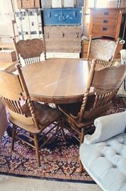 Oak Round Dining Table with 6 Chairs and 2 Leaves