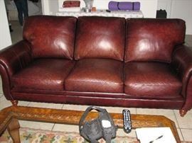 LIVING ROOM LEATHER SET 1