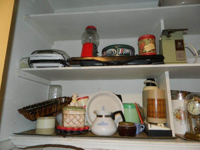 Additional vintage and newer kitchen items.