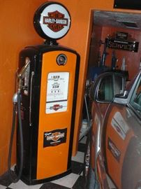 Completely Restored HARLEY DAVIDSON Gas Pump