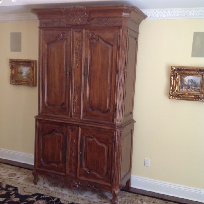 Moving Sale inside Private Home Starts On 8132016 -> Armoire De 📺