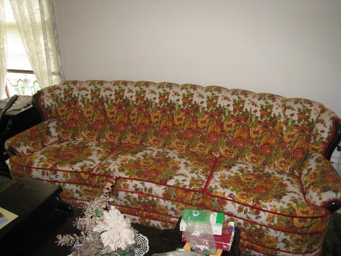 Colorful sofa in excellent condition