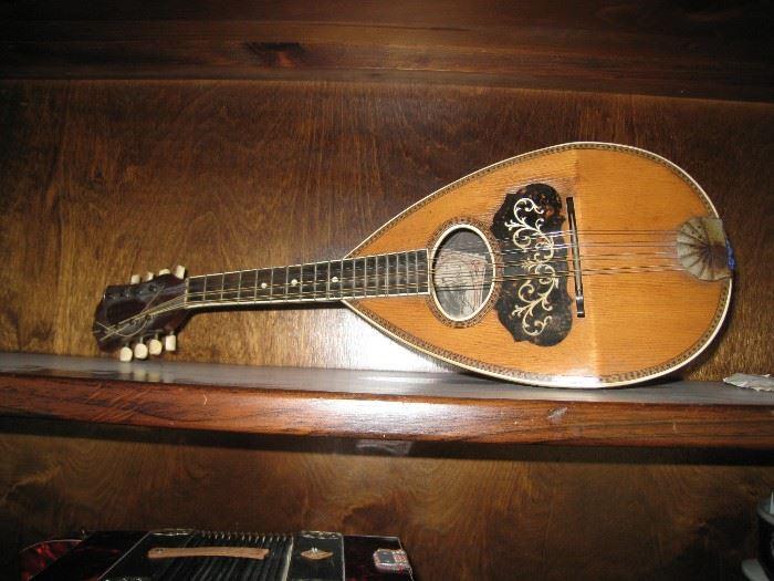 Favilla  Marca Aquila 8 String Mandolin, circa 1890-1910.