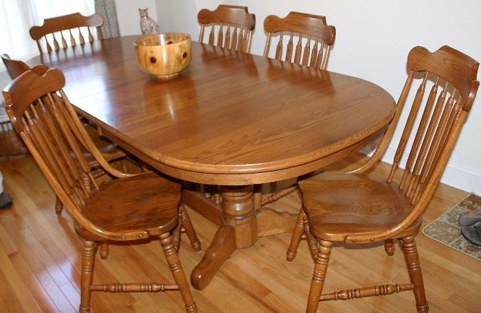 ; Oak Pedestal Table w/2 Leaves & 6 Arrow Back Chairs
