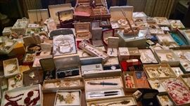 LOADS OF VINTAGE COSTUME JEWELRY..SOME SIGNED!