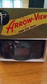 VINTAGE ARROW-VIEW SLIDE VIEWER..IN ORIGINAL BOX !
