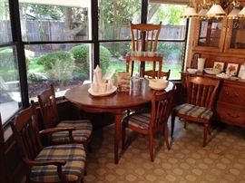 French Country by Thomasville oak  dining table, six chairs, 2 leaves