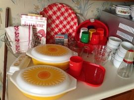 vintage red tupperware picnic ball set, pyrex sunflower