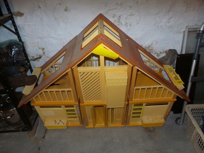 1970's Barbie Play House