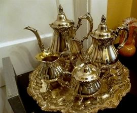 Early 20c Baroque Revival Victorian, 5 pc S.P. Tea Set. Excellent, Ready-to-Use condition.