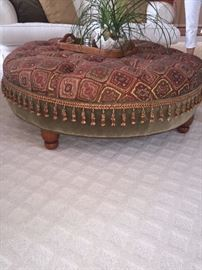 LUXURIOUS TUFTED OTTOMAN WITH TASSELS