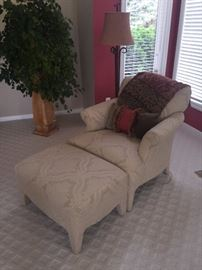 CREAM LOUNGE CHAIR WITH OTTOMAN