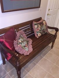 SOLID WOOD BENCH WITH DECORATIVE PILLOWS