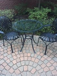 OUTDOOR PATIO FURNITURE---SMALL ROUND TABLE WITH 2 CHAIRS