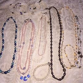 NATURAL PEARL NECKLACES AND BRACELETS