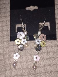 MOTHER OF PEARL AND NATURAL PEARL DANGLING EARRINGS