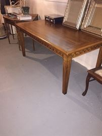 HERITAGE SOLID WOOD DINING ROOM TABLE