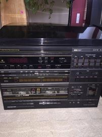 VINTAGE SOUNDESIGN STEREO SYSTEM