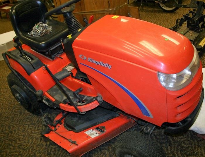 Simplicity Lawn Tractor With Mower Deck & Snow Blade (Engine May Need Work)