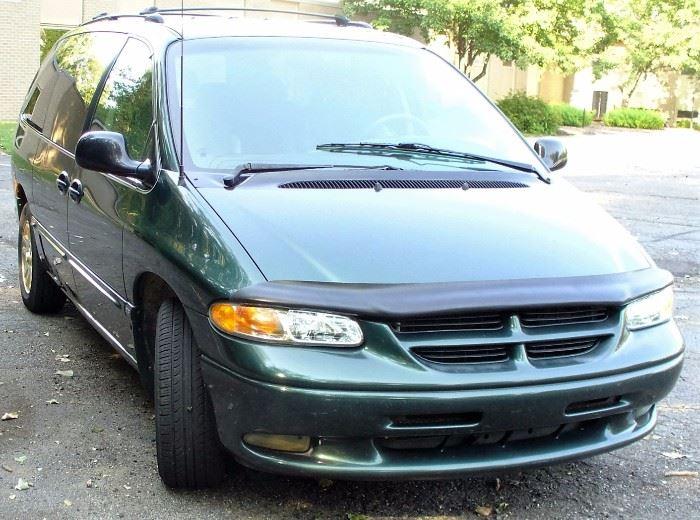 1996 Dodge Grand Caravan ES, V-6, 195,000 miles, Runs great!;