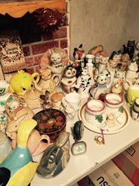 Tons and Tons of Cat Teapots -Wood Enhland