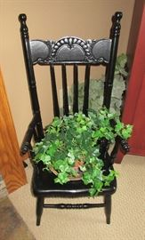 CHILDS CHAIR / GREENS