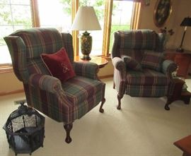 PLAID RECLINERS / SIDE TABLE / LAMP / BIRDCAGE