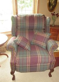 RECLINER / PLAID