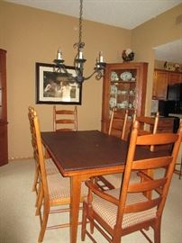 EXTREMELY NICE THOMASVILLE DINING SET