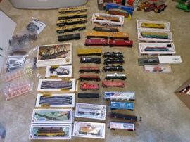 Bachmann HO Train Cars, Tracks, Signs, Standing People And More!