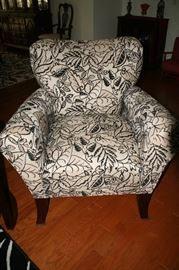 Sweet Comfy Side Chair with pillow